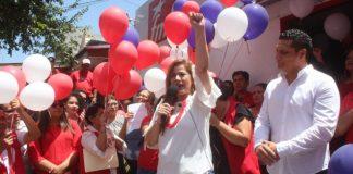 Karina Sosa se inscribe como precandidata a la vicepresidencia por el partido Frente Farabundo Martí para la Liberación (FMLN). Foto Diario Co Latino/Ricardo Chicas Segura.