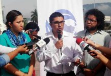 Representante de FESPAD, David Ortiz, en conferencia de prensa.